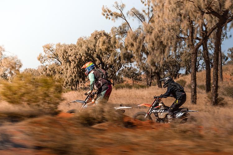 Motorbikes-Finke-Desert-Race