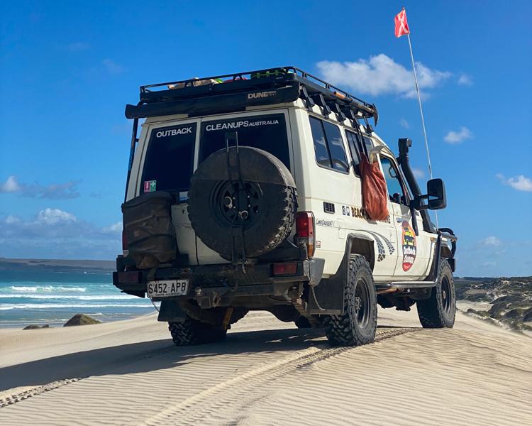 3-OCA-Boomy-The-Troopy-Sandy-Beach-LandCruiser