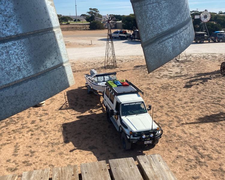 6-Outback-Station-Town-Windmill-LandCruiser-OCA
