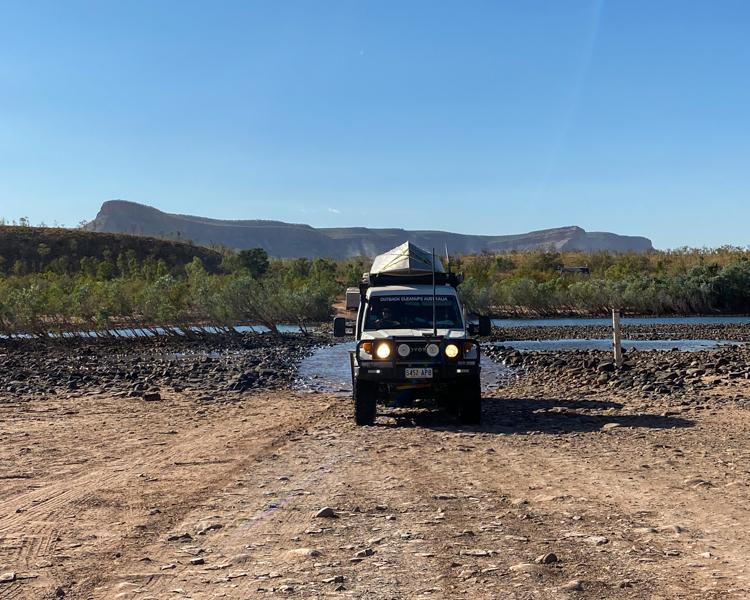 8-LandCruiser-Towing-River-Crossing-Outback-Mountain-Range-OCA